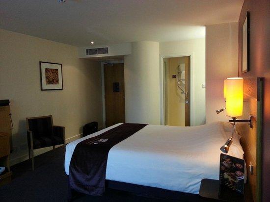 Premier Inn Castleford (Xscape, M62 J32) Hotel: Room
