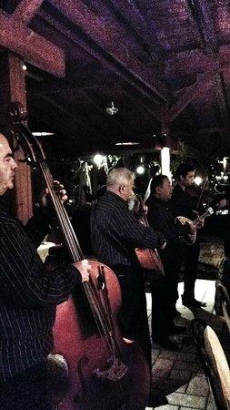 Lyra: Musicisti nel ristorante