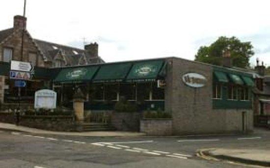 Victoria's Restaurant & Coffee Shop: Outside