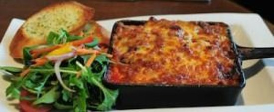 Victoria's Restaurant & Coffee Shop: Lasagna