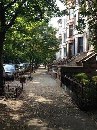 Lefferts Gardens Residence B&B: A View of Charming Rutland Road