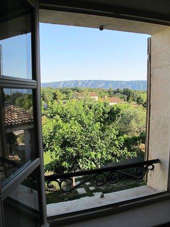 Le Mas des Etoiles : Vista da janela do quarto 1