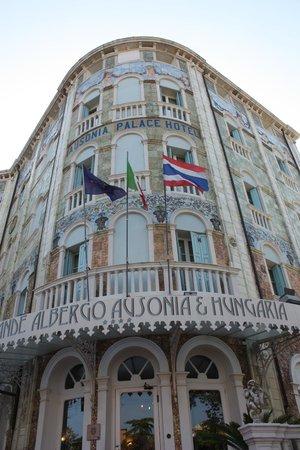 Grande Albergo Ausonia & Hungaria : hotel front