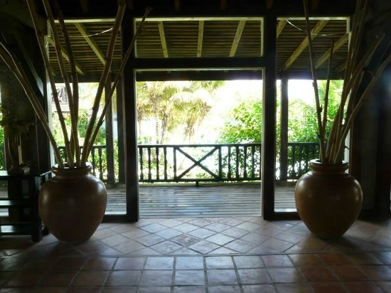 Cocobay Resort: Lobby area