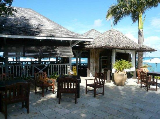 Cocobay Resort: The restaurant