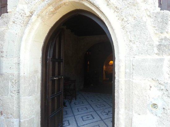 Mystic Hotel : hotel entrance