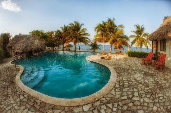 Almond Beach Resort & Spa : Pool