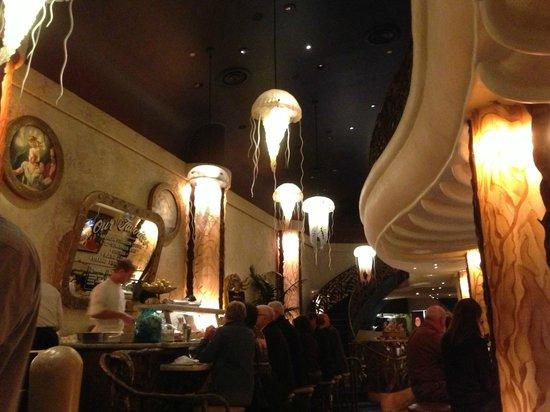 Farallon : Good Atmosphere In Restaurant