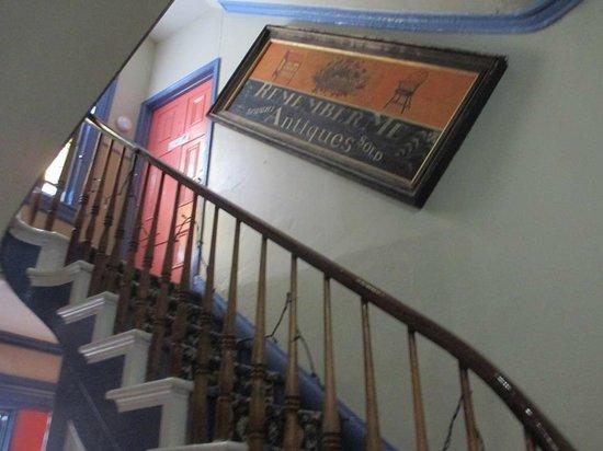 Philadelphia Bella Vista Bed and Breakfast: Staircase.