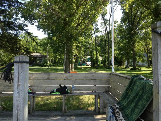 Pelee Places : Another view of cottage from beach deck