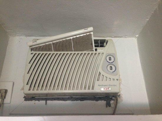 Hotel Pousada Luar de Buzios: filtro sujo