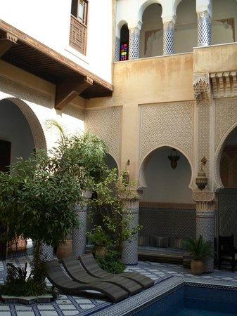 Riad Salam Fes : Photo du patio avec la piscine