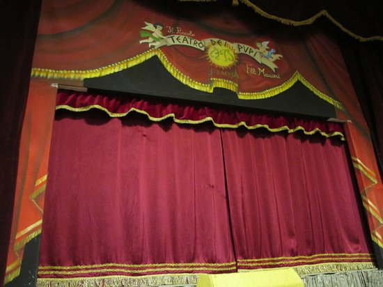 Teatro dei Pupi: The stage