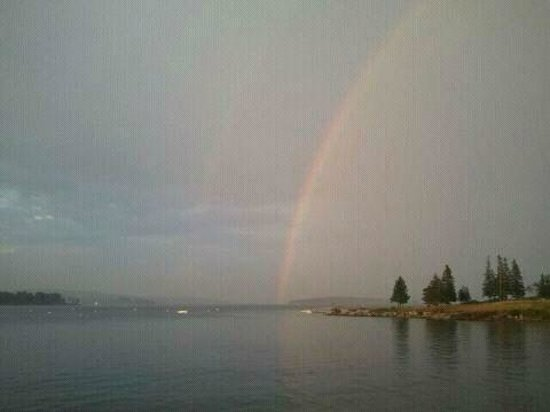 The Moorings Inn Waterfront: Double rainbow from the inn lawn