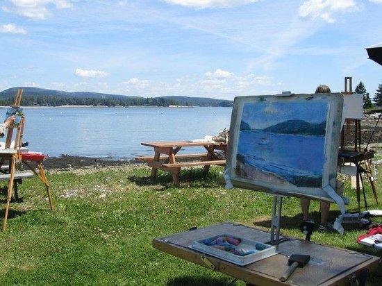 The Moorings Inn Waterfront: Artist workshops return here