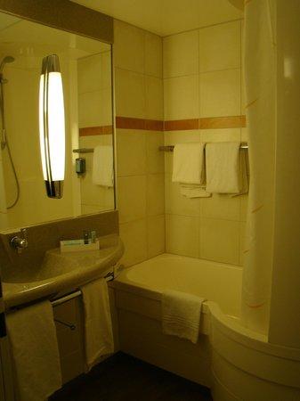 Novotel Düsseldorf City West: Ванная комната