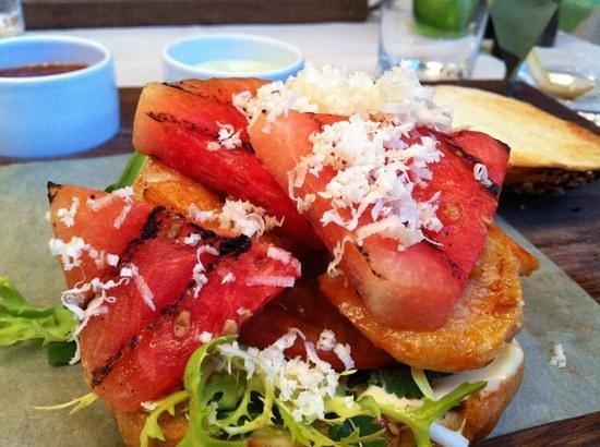 [m]eatery bar + restaurant : Garnelenburger
