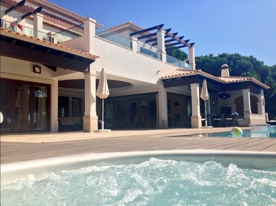 Pine Cliffs Residence, a Luxury Collection Resort: View from the hot tub