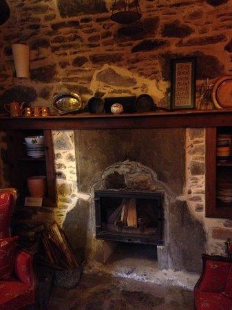 Terrace Houses Sirince: Fireplace, Fig House