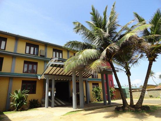 Club Koggala Village : entrée de l'hôtel