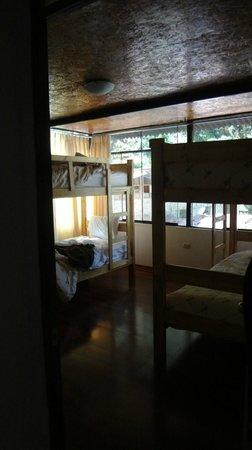 Ecopackers Machupicchu: Habitación de 4 compartida, en suite