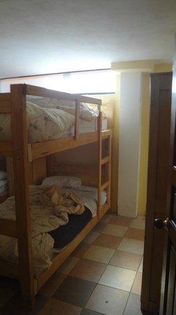 Ecopackers Machupicchu: Habitación de 6 compartida, en suite