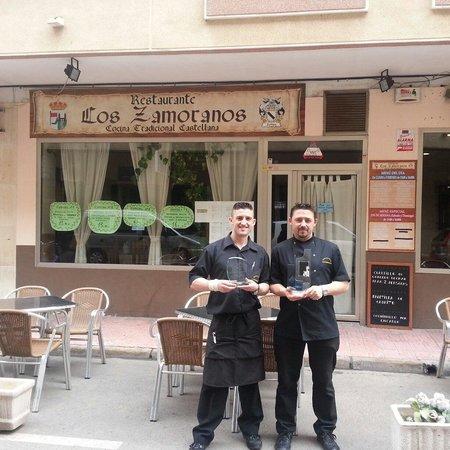 Bar Taperia Los Zamoranos: Segundo premio consecutivo en la.ruta de la tapa 2011 y 2012