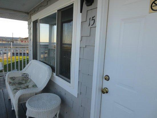 Sea View Motel: Balcony