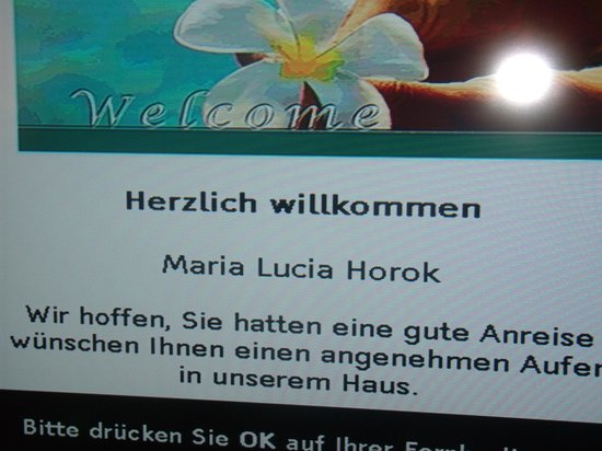 H+ Hotel Zuerich: As Boas Vindas direto no aparelho de TV