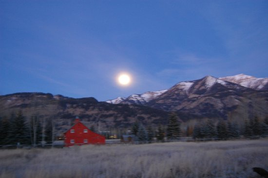 Elevated Grounds Coffeehouse: Moon Over the Tetons