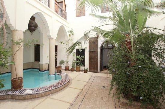 Riad Al Faras: Pool