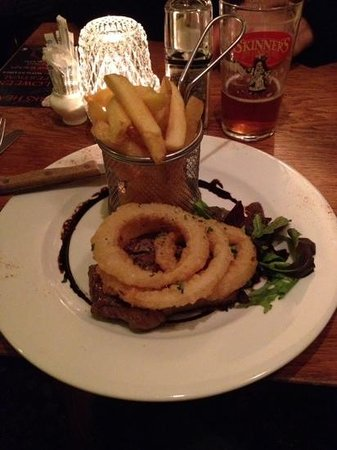 The Turks Head: steak and chips