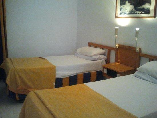 Costa Volcan Apartments: Habitacion