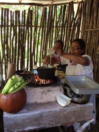 Ka'ana Resort: Mayan cooking class