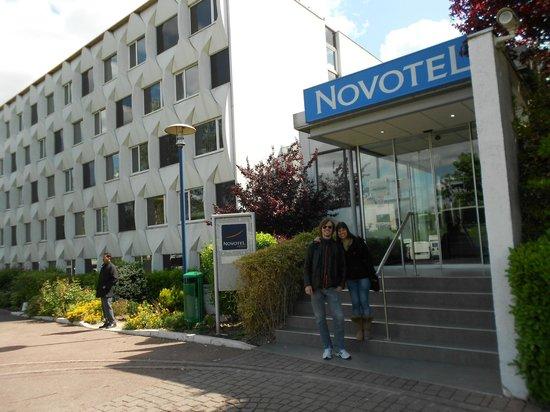 Novotel Paris Creteil Le Lac : entrada do Novotel Paris Cretil Le Lac