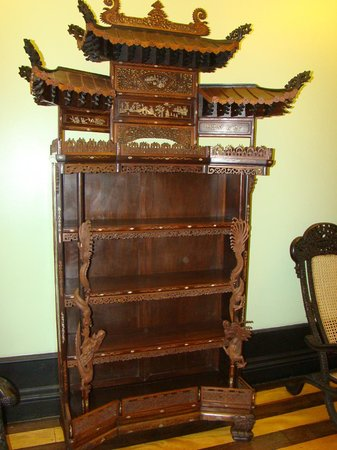Palacio Rio Negro: Móvel de origem chinesa.