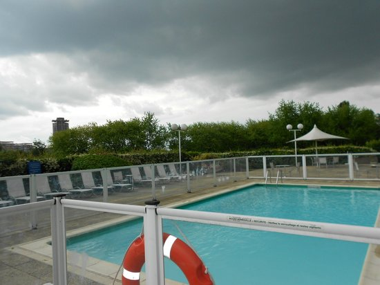 Novotel Paris Creteil Le Lac: bom serviço de piscina