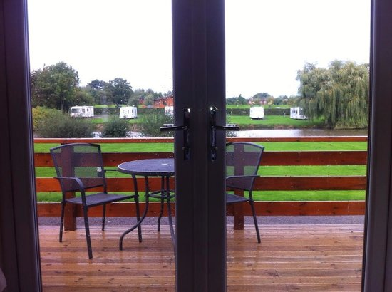 Beaconsfield Holiday Park: verander with view