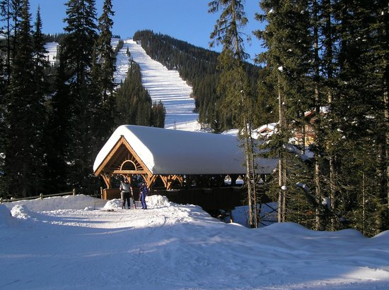 Sun Peaks Ski Area : Bluebird Day Sunburst Chair
