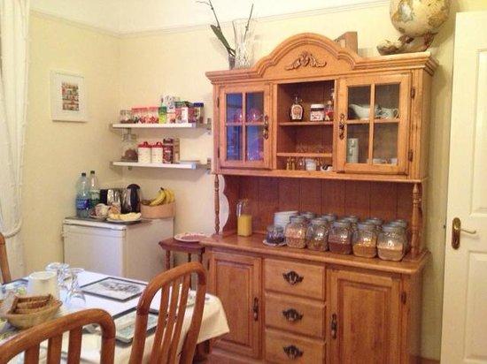 Shantalla Lodge B&B: You can make your own tea any time