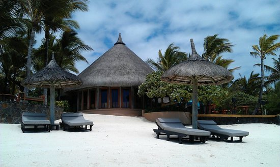 Constance Belle Mare Plage: La Spiaggia Restaurant