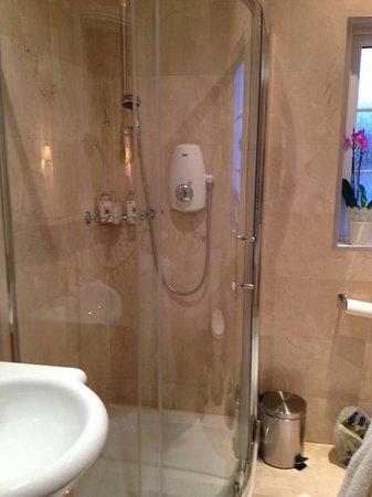 Shantalla Lodge B&B: Impeccable shower