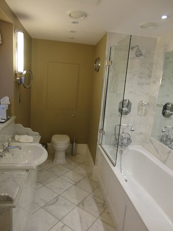 Ellenborough Park: Our Bathroom