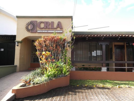 Costa Rican Language Academy CRLA: The entrance of the school