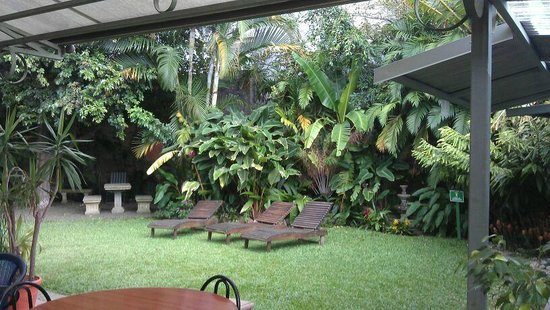 Costa Rican Language Academy CRLA: The courtyard inside the school