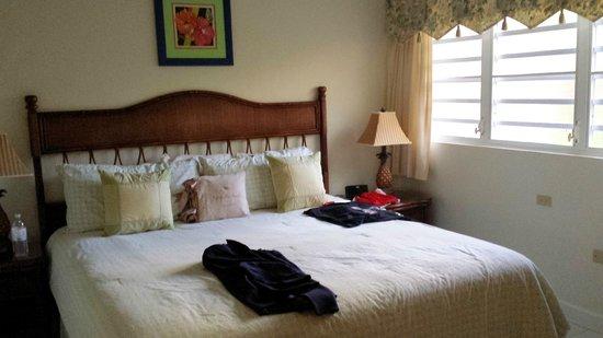Secret Harbour Beach Resort: Room115