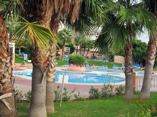 Best Siroco: garden and pool area