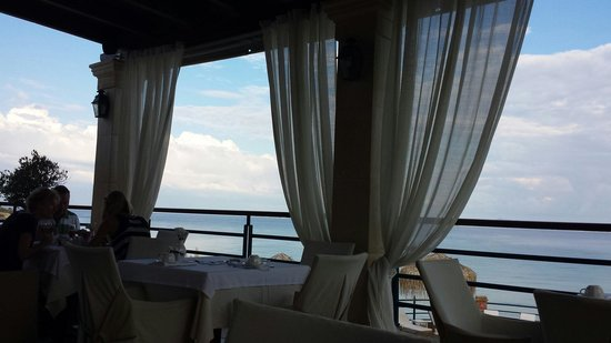 Delfino Blu Boutique Hotel: Dining with a View