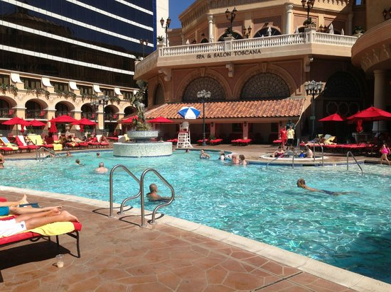 Peppermill Resort Spa Casino : Pool
