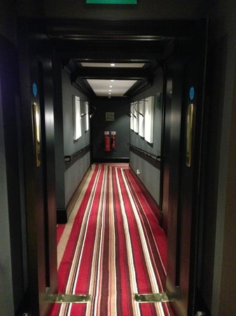 Baglioni Hotel London: The hallways to guest rooms.